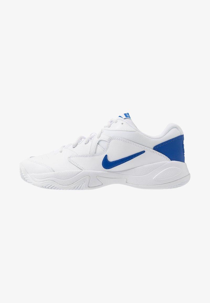 Nike Performance - COURT LITE 2 - Tennissko til grusbane - white/game royal/flash crimson