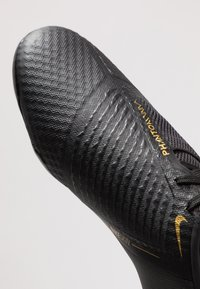 Nike Performance - PHANTOM ACADEMY - Chaussures de foot à crampons - black/metallic vivid gold - 5