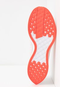 Nike Performance - ZOOM PEGASUS TURBO 2 - Zapatillas de running neutras - platinum tint/laser crimson/white/light smoke grey - 4