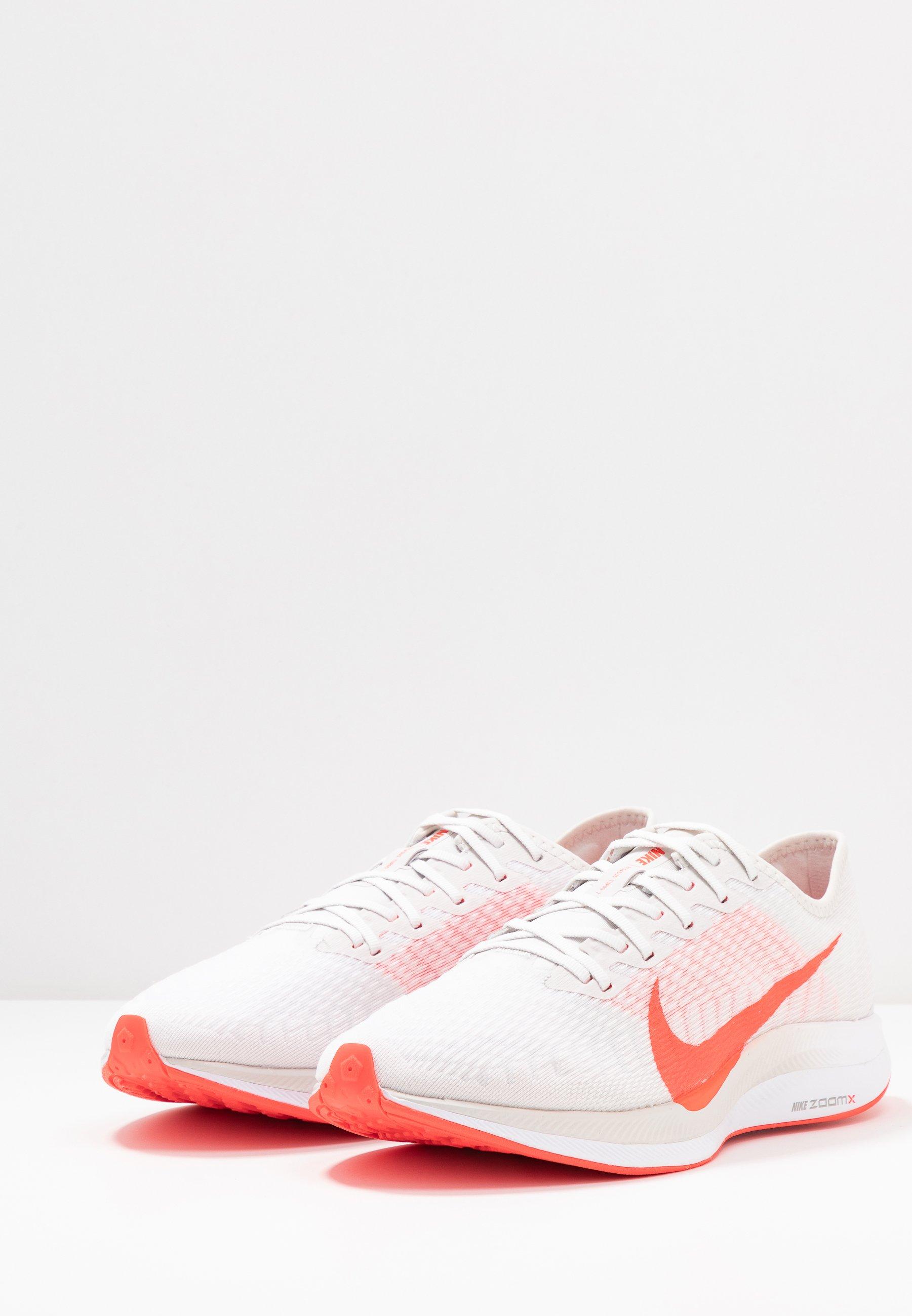 Nike Performance ZOOM PEGASUS TURBO 2 - Obuwie do biegania treningowe - platinum tint/laser crimson/white/light smoke grey