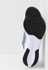 Nike Performance - ZOOM FLY 3 - Neutrala löparskor - coastal blue/metallic silver/black/white - 4