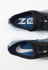 Nike Performance - ZOOM FLY 3 - Neutrala löparskor - coastal blue/metallic silver/black/white - 5