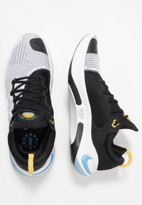 Nike Performance - JOYRIDE RUN FK - Juoksukenkä/neutraalit - black/laser orange/white/universe blue - 1