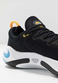 Nike Performance - JOYRIDE RUN FK - Obuwie do biegania treningowe - black/laser orange/white/universe blue - 5