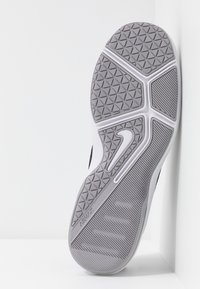 Nike Performance - AIR MAX ALPHA TRAINER 2 - Gym- & träningskor - atmosphere grey/metallic dark grey/vast grey/laser orange - 4