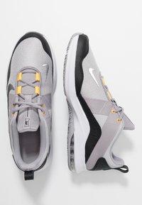 Nike Performance - AIR MAX ALPHA TRAINER 2 - Gym- & träningskor - atmosphere grey/metallic dark grey/vast grey/laser orange - 1