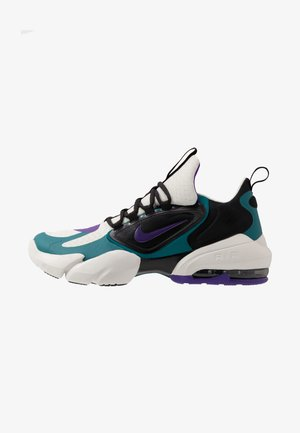 AIR MAX ALPHA SAVAGE - Gym- & träningskor - light bone/black/geode teal/voltage purple