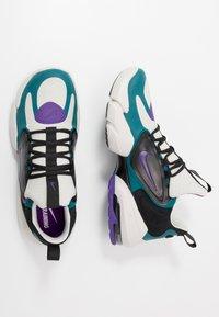 Nike Performance - AIR MAX ALPHA SAVAGE - Obuwie treningowe - light bone/black/geode teal/voltage purple - 1