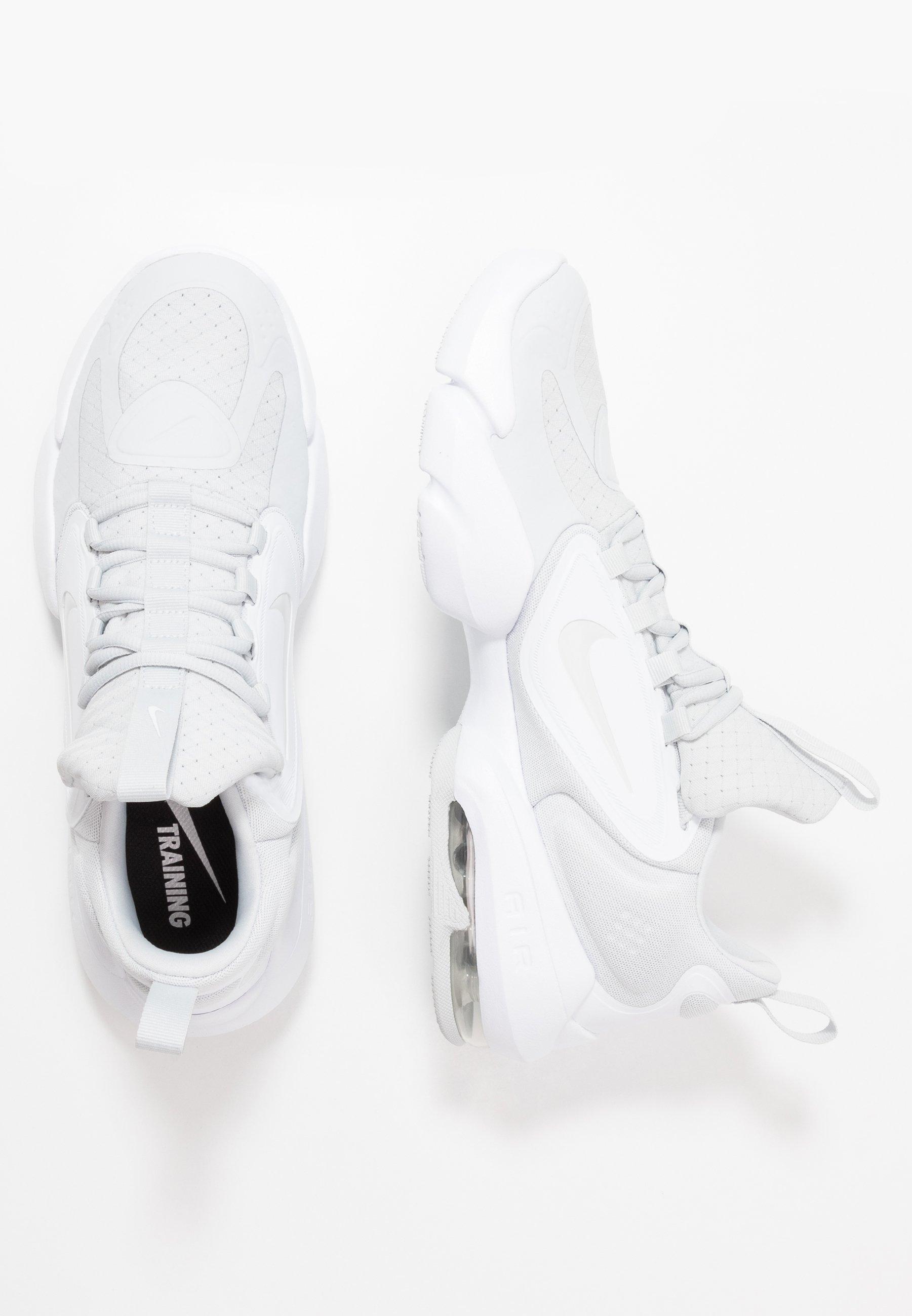 AIR MAX ALPHA SAVAGE Chaussures d'entraînement et de fitness pure platinumwhite