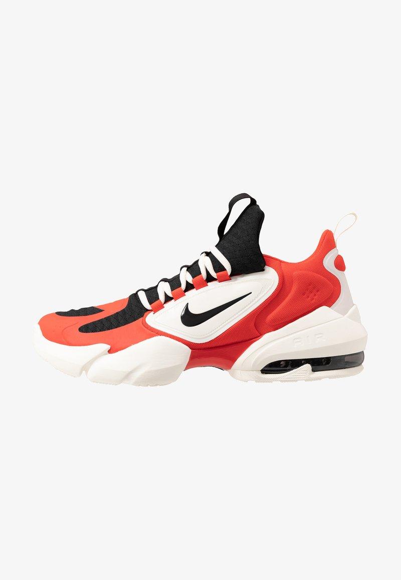 Nike Performance - AIR MAX ALPHA SAVAGE - Zapatillas de entrenamiento - habanero/black/pale ivory