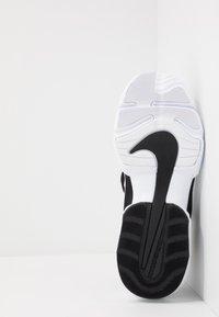 Nike Performance - AIR MAX ALPHA SAVAGE - Obuwie treningowe - black/white - 4