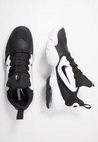 Nike Performance - AIR MAX ALPHA SAVAGE - Obuwie treningowe - black/white - 1