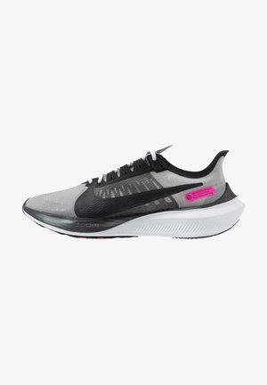 ZOOM GRAVITY - Neutral running shoes - atmosphere grey/black/pink blast/white