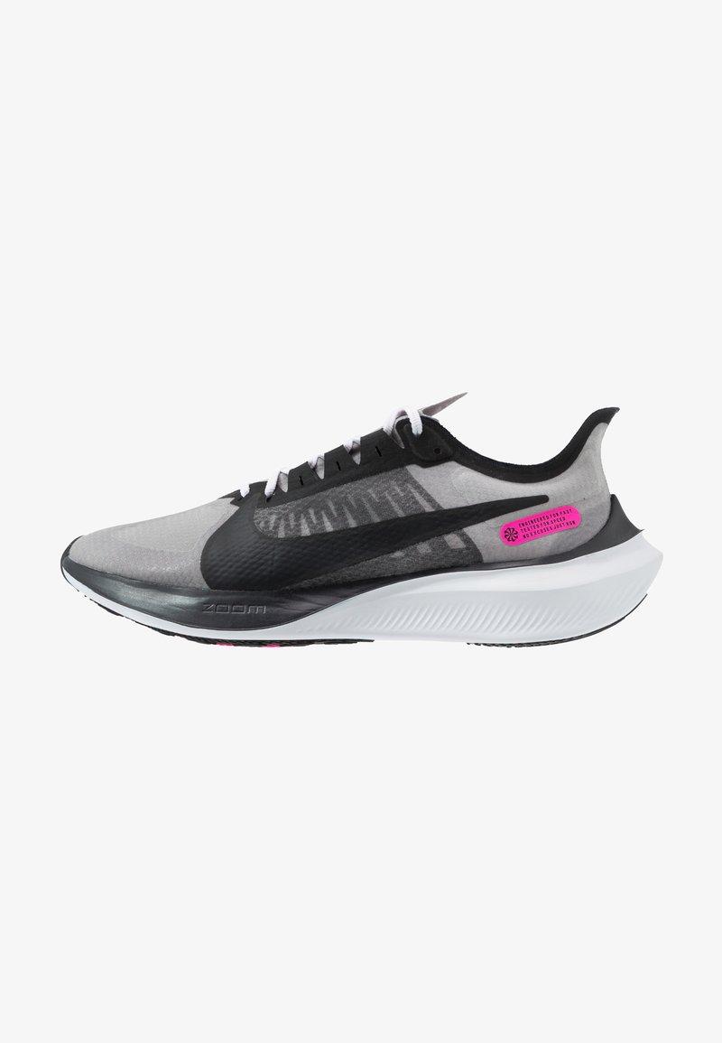 Nike Performance - ZOOM GRAVITY - Neutrala löparskor - atmosphere grey/black/pink blast/white
