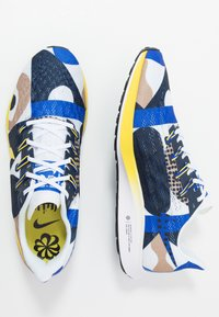 Nike Performance - AIR ZOOM PEGASUS 36 CODY - Neutrala löparskor - hyper royal/chrome yellow/white/obsidian - 1