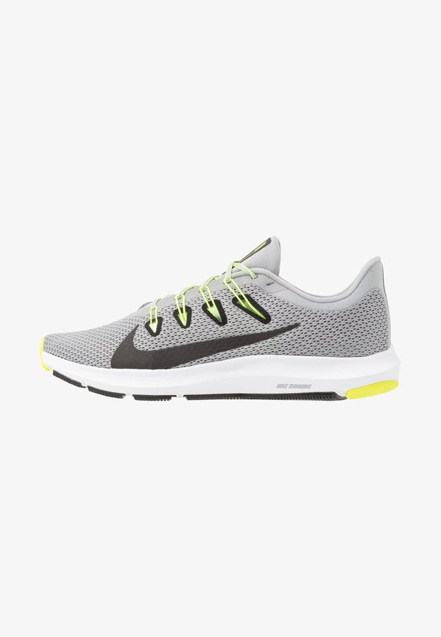 QUEST 2 - Obuwie do biegania treningowe - light smoke grey/black/barely volt/volt