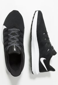 Nike Performance - QUEST 2 - Zapatillas de running neutras - black/white - 1