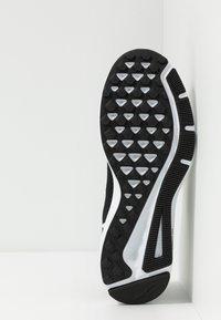 Nike Performance - QUEST 2 - Zapatillas de running neutras - black/white - 4