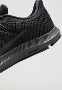 Nike Performance - QUEST 2 - Neutral running shoes - black/anthracite - 5