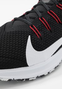 Nike Performance - QUEST 2 - Neutrala löparskor - black/white/anthracite/university red - 5