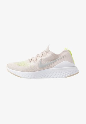 EPIC REACT FK 2 - Chaussures de running neutres - desert sand/reflect silver/white/volt