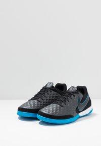 Nike Performance - TIEMPO LEGEND 8 ACADEMY IC - Botas de fútbol sin tacos - black/blue hero - 2