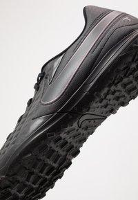 Nike Performance - TIEMPO LEGEND 8 CLUB TF - Kopačky na umělý trávník - black - 5