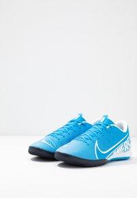 Nike Performance - VAPOR 13 ACADEMY IC - Futsal-kengät - blue hero/white/obsidian - 2