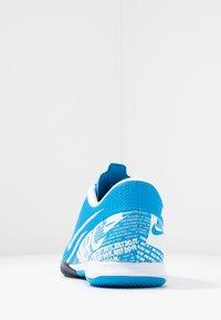 Nike Performance - VAPOR 13 ACADEMY IC - Futsal-kengät - blue hero/white/obsidian - 3