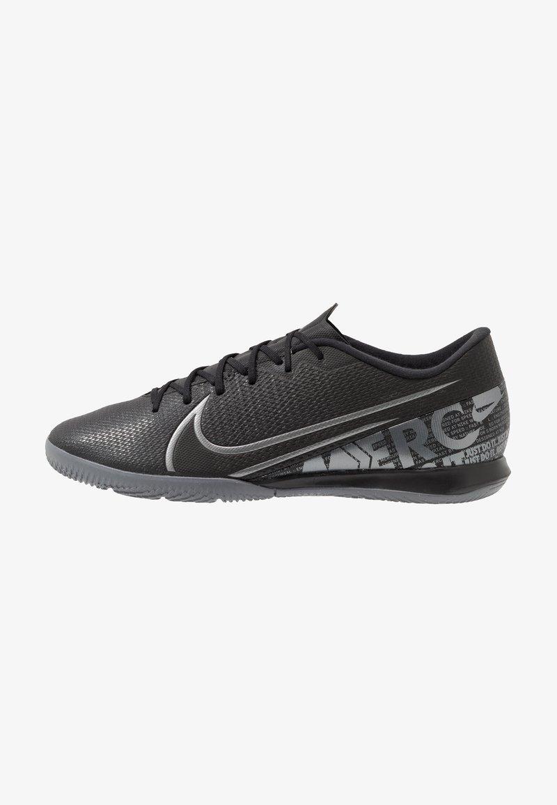 Nike Performance - VAPOR 13 ACADEMY IC - Indoor football boots - black/metallic cool grey/cool grey