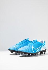Nike Performance - VAPOR 13 ACADEMY SG-PRO AC - Voetbalschoenen met metalen noppen - blue hero/white/obsidian - 2