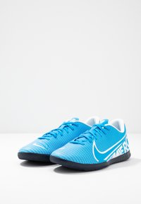 Nike Performance - VAPOR 13 CLUB IC - Futsal-kengät - blue hero/white/obsidian - 2