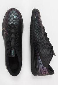 Nike Performance - VAPOR 13 CLUB IC - Zaalvoetbalschoenen - black - 1