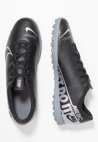 Nike Performance - MERCURIAL VAPOR 13 CLUB TF - Botas de fútbol multitacos - black/metallic cool grey/cool grey - 1