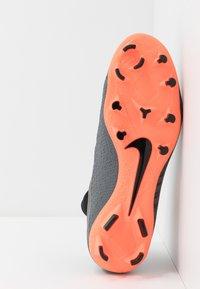 Nike Performance - PHANTOM VSN PRO DF FG - Chaussures de foot à crampons - dark grey/bright mango/black - 4
