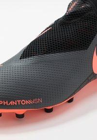 Nike Performance - PHANTOM VSN PRO DF FG - Chaussures de foot à crampons - dark grey/bright mango/black - 5