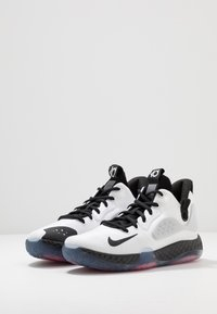 Nike Performance - KD TREY 5 VII - Basketbalové boty - white/black/wolf grey/bright crimson - 2