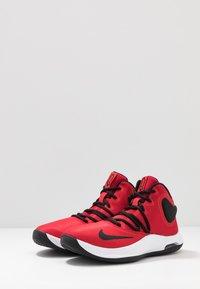 Nike Performance - AIR VERSITILE IV - Obuwie do koszykówki - university red/black/white - 2