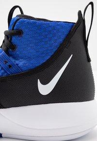 Nike Performance - ZOOM RIZE TB - Obuwie do koszykówki - game royal/white/black - 5
