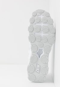 Nike Performance - REAX 8  - Scarpe da fitness - white/pure platinum - 4
