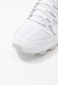 Nike Performance - REAX 8  - Scarpe da fitness - white/pure platinum - 5
