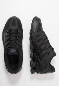 Nike Performance - REAX 8  - Trainings-/Fitnessschuh - black/anthracite - 1