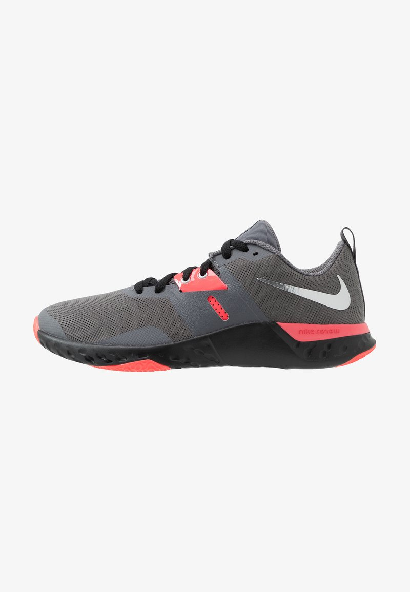 Nike Performance - RENEW RETALIATION TRAINER - Sportschoenen - gunsmoke/metallic silver/thunder grey