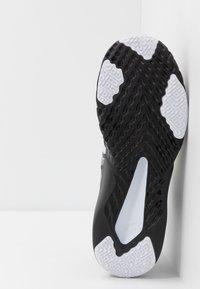 Nike Performance - RENEW RETALIATION TRAINER - Obuwie treningowe - dark smoke grey/black/ghost green/white/sapphire - 4