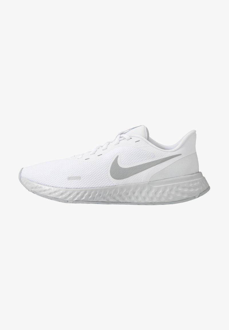 Nike Performance - REVOLUTION 5 - Neutrala löparskor - white/wolf grey/pure platinum