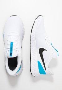 Nike Performance - REVOLUTION 5 - Obuwie do biegania treningowe - white/black/blue hero - 1