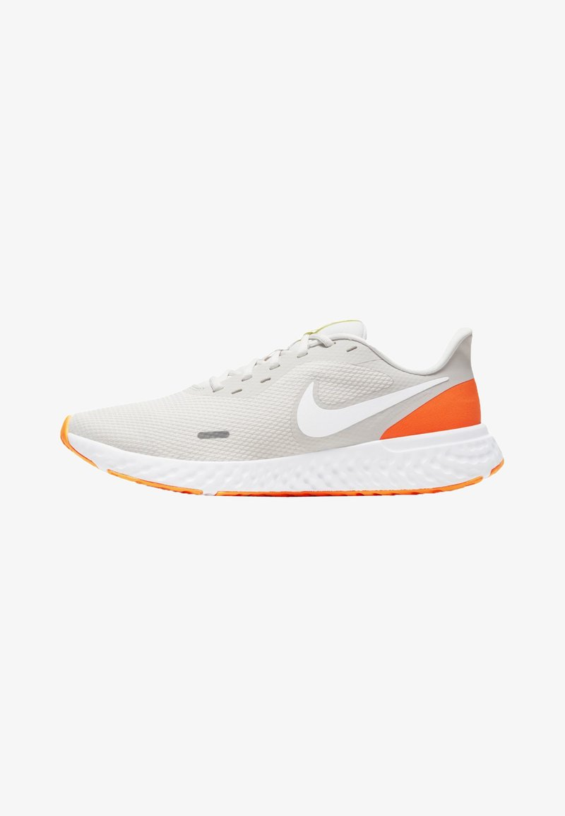 Nike Performance - REVOLUTION 5 - Obuwie do biegania treningowe - off-white/neon pink/white