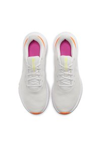 Nike Performance - REVOLUTION 5 - Obuwie do biegania treningowe - off-white/neon pink/white - 1