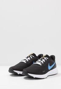 Nike Performance - REVOLUTION 5 - Zapatillas de running neutras - black/university blue/laser orange/white/anthracite - 2
