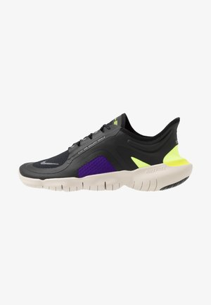 FREE RUN 5.0 SHIELD - Paljasjalkajuoksukengät - black/metallic silver/voltage purple